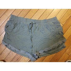 1X Rue21 Green Shorts w/pockets